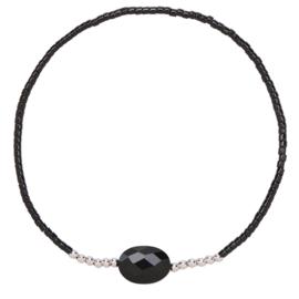 Armbandje met fijne kraaltjes in zwart/zilver