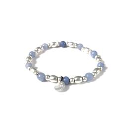 Armbandje met kralen in mat zilverkleur/lichtblauw | LOVE