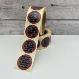 Stickers 'hieper de piep hoera' op rol 500 stuks