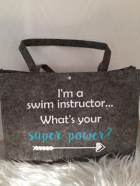 """Vilten tas groot - """"Zweminstructeur"""""""