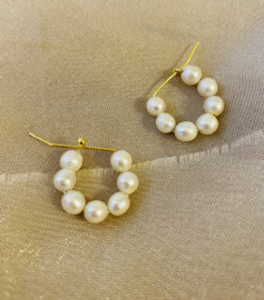Small pearl hoops earrings