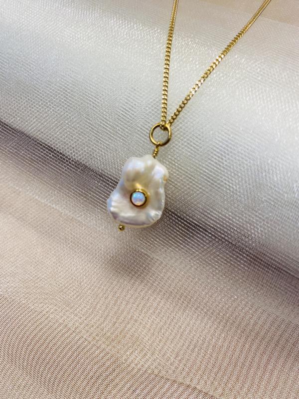 Barock pearl necklace