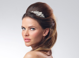 Robin: Hairband of crystals, rhinestone and pearls