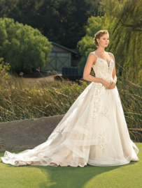 Athena our most  romantic and feminine wedding dress: €1.595
