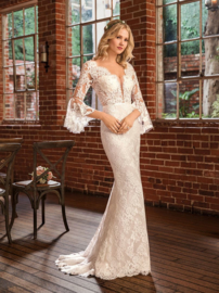 Peyton: an irresistible bohemian wedding dress beauty. €1.595