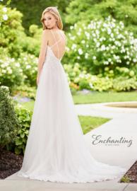 Hannah: elegante bruidsjurk van delicate kant, tule en knappe kantapplicaties. Knappe prijs: € 1.195
