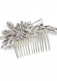 Inge: haarkam die je op verschillende manieren kan gebruiken. Handgemaakt!