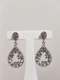 Earrings with zirconia, oval shape