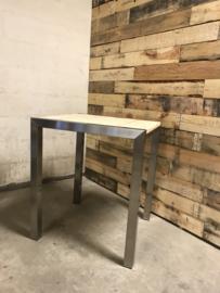 Bartafel rvs met steigerhout voor binnen of buiten