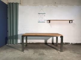 Rvs design eettafel BARCA met iroko