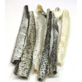 Akyra gedroogde zalmhuid 250 gr