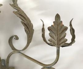 Franse vintage wandlamp metaal Florentijns met 3 lichtpunten
