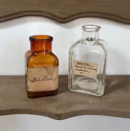 Bruin antiek glazen flesje pharmacieflesje origineel etiket