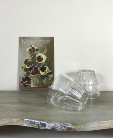 Wijnglaasjes / likeurglaasjes met witte decoratie 4 stuks
