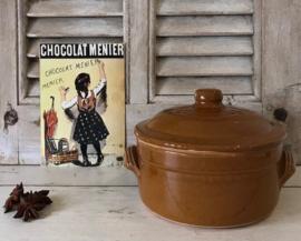 Franse vintage bruine keramieken kookpot cocotte met deksel