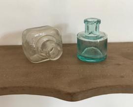 Setje inktpotjes turquoise en helder glas