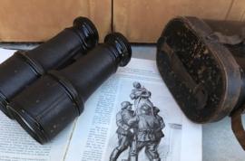 Antieke Franse verrekijker uit 1914 in lederen etui