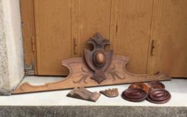 Antieke houten sier ornamenten