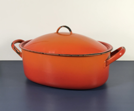 Vintage oranje ovale pan met deksel