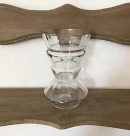 Antiek glazen vaasje helder glas mond geblazen conisch
