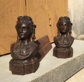 Haardbokken chenets haardijzers gietijzer type Marianne