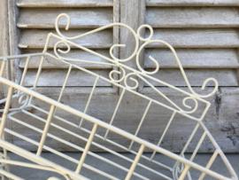 Frans metalen wandrekje écru kleurig