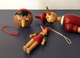 Pinokkio jojo dipinto a mono Italië