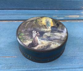 Rond blikje, busje, doosje uit 1858 Lourdes Frankrijk