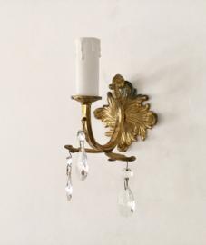 Antiek Frans koperen wandlampje met glazen facetpegels
