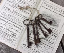 Antieke Franse sleutels 6 stuks