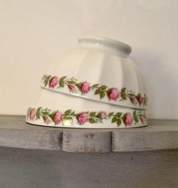 Bowl kom van Limoges wit met roosjes (grootste op de foto)