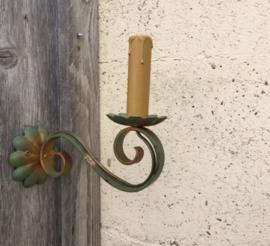 Wandlampje ijzer Frans brocante groen