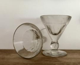 Negen Franse likeur- of absintglaasjes loodglas conish uit circa 1920