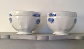 Franse bowl kom wit met blauwe rozen en zilveren belijning Vigor