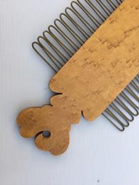 Wortelhouten dassenhanger patent uit 1803