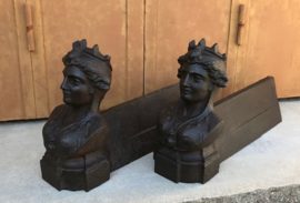 Set Franse gietijzeren chenets haardbokken vuurbokken