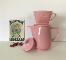 Kleine keramische koffiepot met filter (101) van Melitta uit 1960