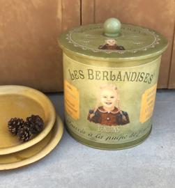 Frans vintage blik trommel van Les Berlandises la Cure Gourmande