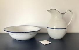 Antiek Franse geëmailleerde lampetkan set wit met blauwe belijning