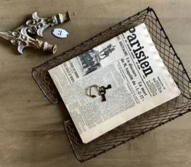 Antiek Frans metalen postbakje lectuurbak A4 formaat