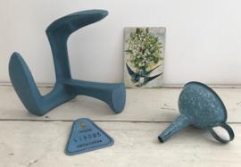 Blauwe schoenmakers leest gemerkt met 441