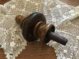 Siertorentje sierknop van gedraaid hout 15 cm hoog