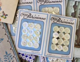 Brocante fournituren borduurpatronen knopen naaldenmapje