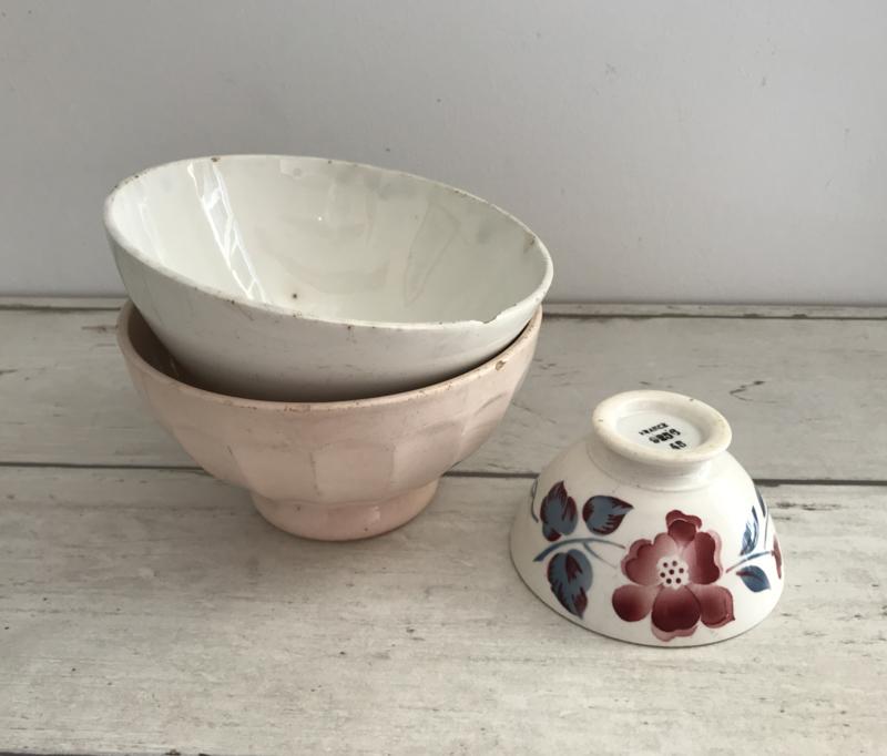 Zware antieke Terre de Fer spoelkom bowl licht roze