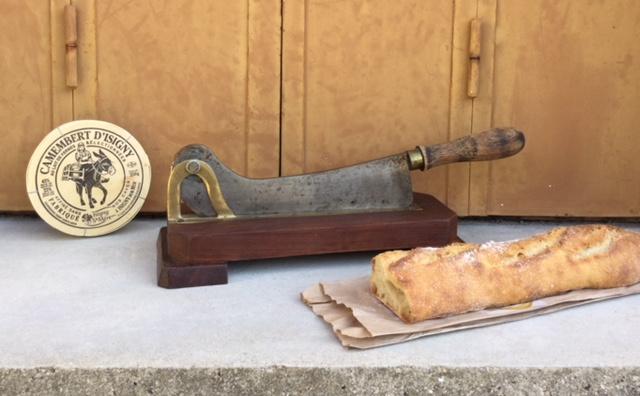 Brood hakblok met mes Comptoir de Famille