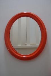 Ovale oranje spiegel