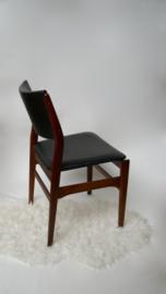 Skaileren zwarte stoel