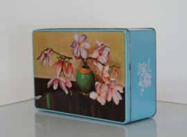 koekblik Magnolia op vaas