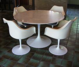 Space age tafel met marmeren blad- Eero Saarinen - Knoll
