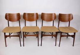 4 Vintage eettafelstoelen van teakhout